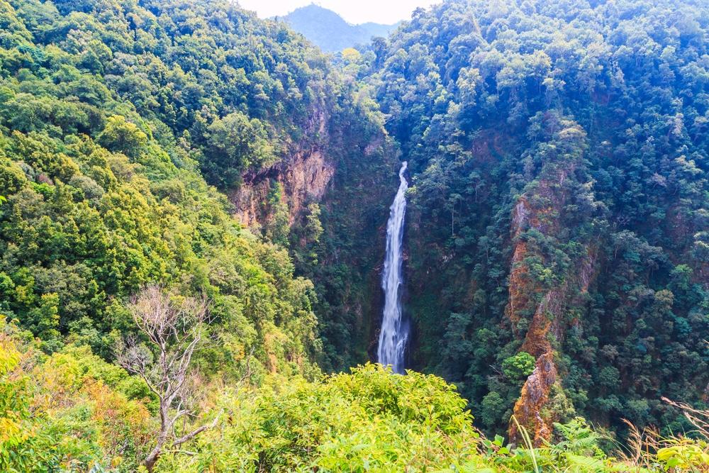 Cascada de Mae Surin