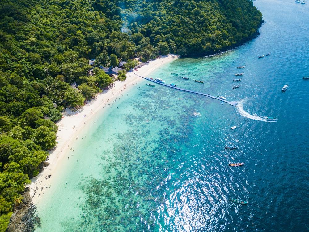Banana Beach, Isla Coral