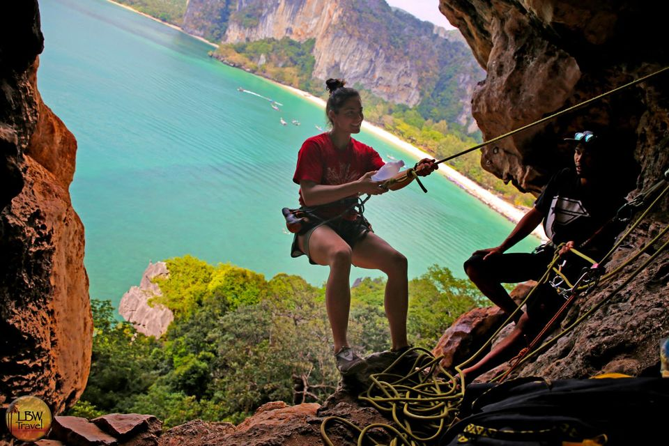 Tour de escalada en roca en la playa de Railay