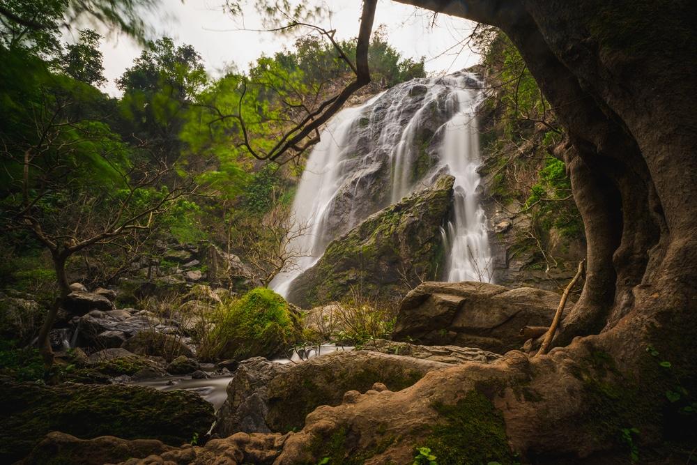 Cascada de Khlong Lan