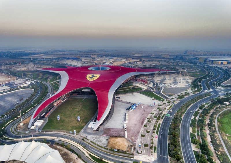 Ferrari-World-tours-en-dubai