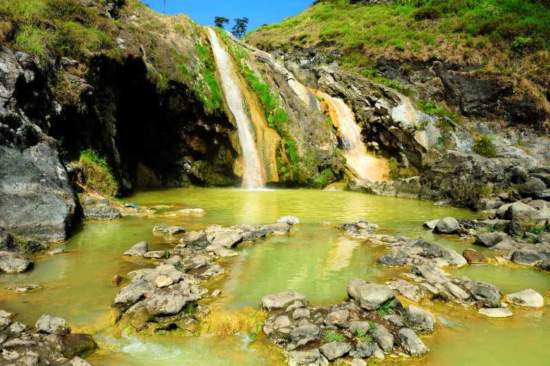 Aguas termales de Air Kalak - que hacer en lombok