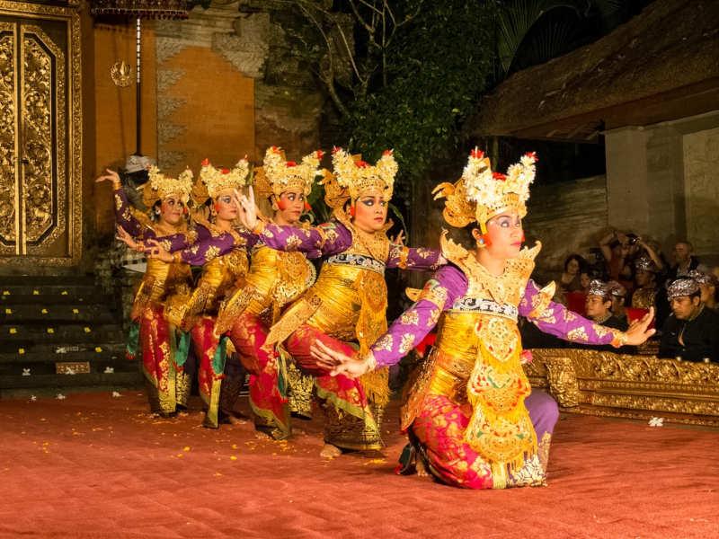 Espectáculo-de-danza-Legong-que-hacer-en-ubud