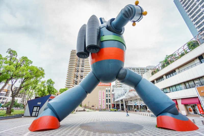 Estatua de Tetsujin 28 - que ver y hacer en kobe