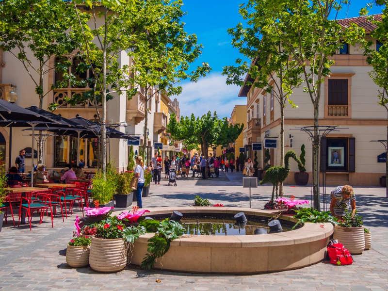 Centro comercial La Roca