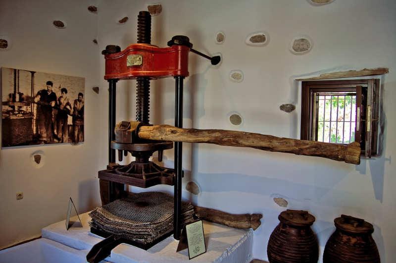 Museo de la prensa de aceitunas de Eggares