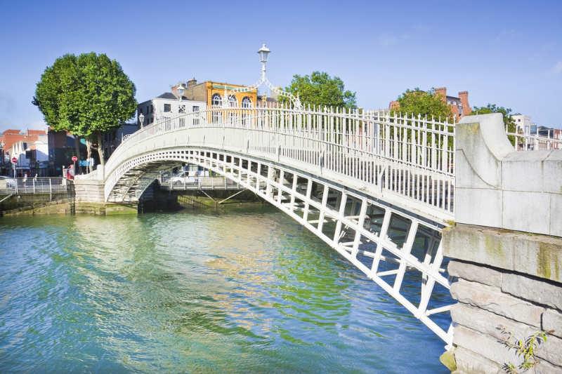 Ha'penny Bridge - que ver en dublin