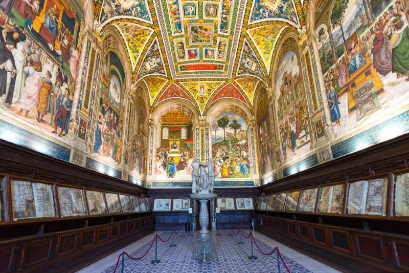 Biblioteca Piccolomini - cosas que ver en siena