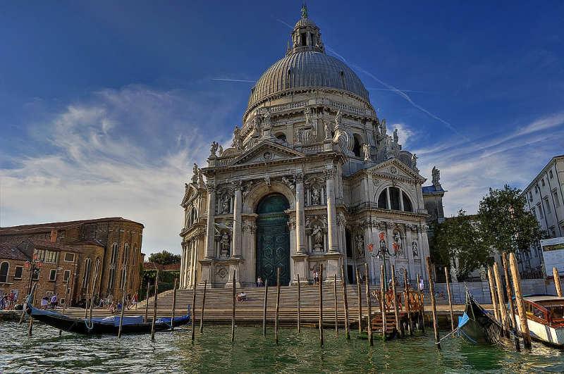 Basílica-de-Santa-Maria-della-Salute-que-visitar-en-venecia