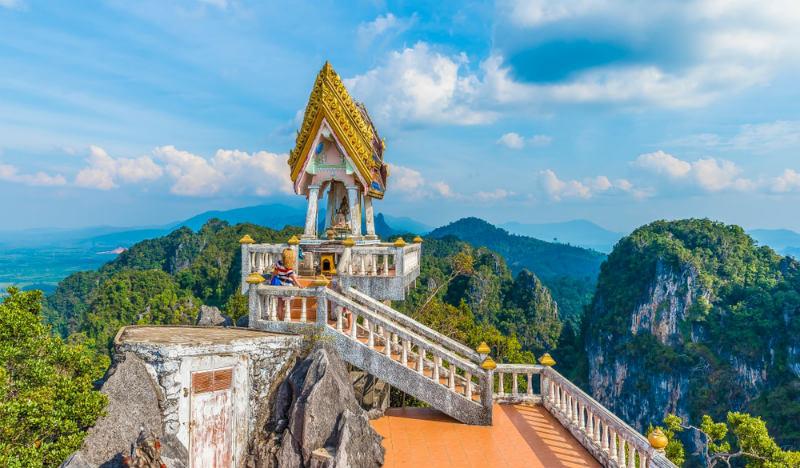Wat-Tham-Sua