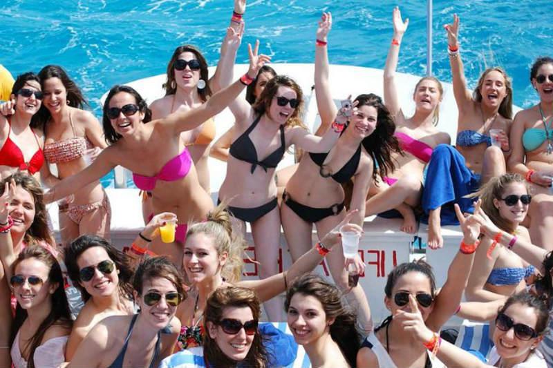 Cancún fiesta de rock en barco para adultos